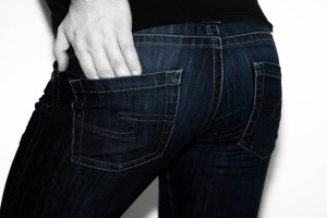 jeans-3051102_640
